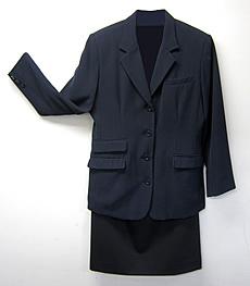 女性:制服(ブレザー)貸与の場合